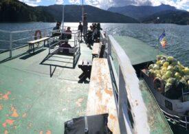 Voluntarii au scos 4,2 tone de gunoi din lacul Bicaz, rezervație naturală protejată