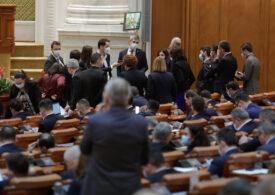 """PSD a publicat textul moțiunii de cenzură. Deși cer ca întregul Guvern să plece, spun că au fost """"finuți"""" ca să voteze și USR PLUS (Document)"""
