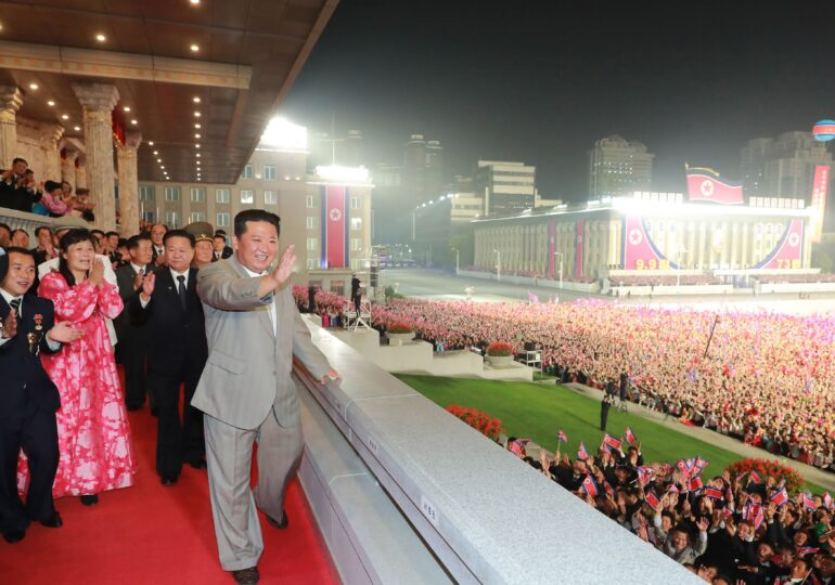 Coreea de Nord a lansat o rachetă care a parcurs 1.500 de kilometri. Pentagonul spune că testul e o ameninţare pentru vecini
