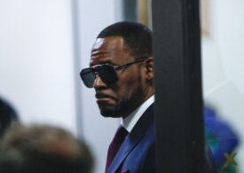 Cântărețul R. Kelly a fost găsit vinovat pentru trafic de persoane în New York. Ar putea primi zeci de ani de închisoare