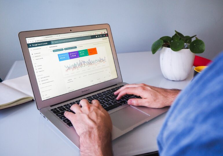 Cum te poate ajuta agenția AllProWeb să crești vizibilitatea firmei tale pe Internet