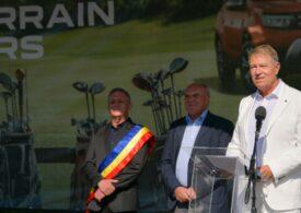 """Cât de mult costă să joci golf, sportul """"deloc exclusivist"""" promovat de Klaus Iohannis"""