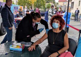 Campania de vaccinare cu doza a treia de ser anticovid a debutat la Complexul Educațional Laude-Reut