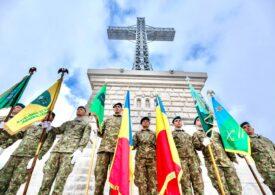 Crucea de pe Caraiman a fost restaurată de armată (Galerie foto & video)