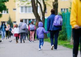<i>De ce se ia în calcul rata de vineri și nu de azi, pentru închiderea școlilor? De ce punem copiii în pericol? Ce să facă un părinte?</i> Dr. Octavian Jurma răspunde la întrebările zilei