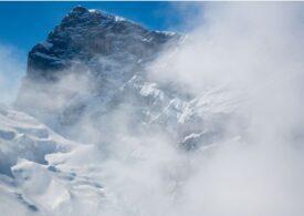 Un ghețar din Elveția a fost acoperit cu pături, pentru a încetini topirea sa
