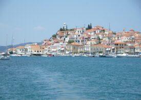 O barcă pe care se aflau nouă români s-a scufundat în Grecia