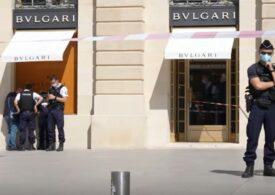 Trei hoți înarmați au furat bijuterii de 10 milioane de euro, în Paris (Video)