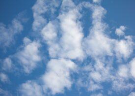 Nori mai luminoși, metoda prin care oamenii de știință vor să răcorească Pământul