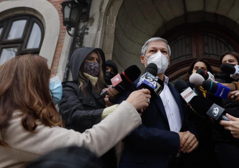 Cioloș s-a întâlnit cu Cîțu, Kelemen şi Pambuccian, pentru a negocia formarea Guvernului UPDATE Nu s-a stabilit nimic