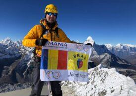 Un poliţist român a cucerit un vârf tehnic de peste 6.000 de metri din Himalaya