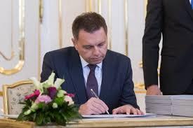 Guvernatorul băncii centrale din Slovacia e acuzat că a dat o șpagă de 50.000 de euro