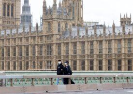 O nouă mutație la tulpina Delta se răspândeşte în Marea Britanie, unde a crescut alarmant numărul de cazuri de Covid