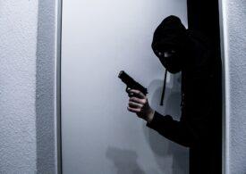 Jaf ca în filme la Brăila: Hoțul a fost surprins de victimă, dar a amenințat-o cu un pistol de jucărie și-a fugit
