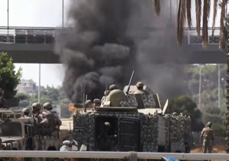 Lupte de stradă la Beirut soldate cu mai mulţi morţi, după ce atacatori necunoscuți au tras la nimereală într-un grup de protestatari (Video)
